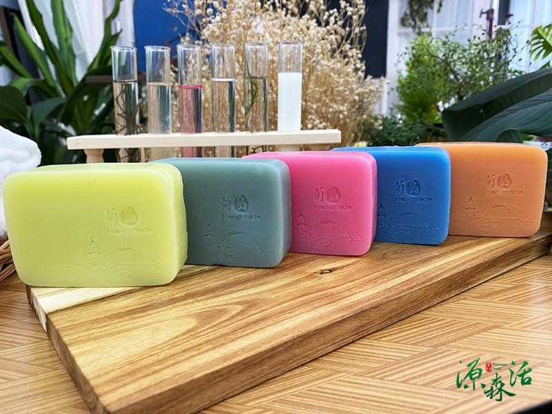 菊島冰花 晶亮手作皂160g±5%